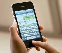 Наш Сервис-центр качественно выполняет диагностику и ремонт iPhone и дает длительную гарантию на выполненные ремонтные работы и запчасти.